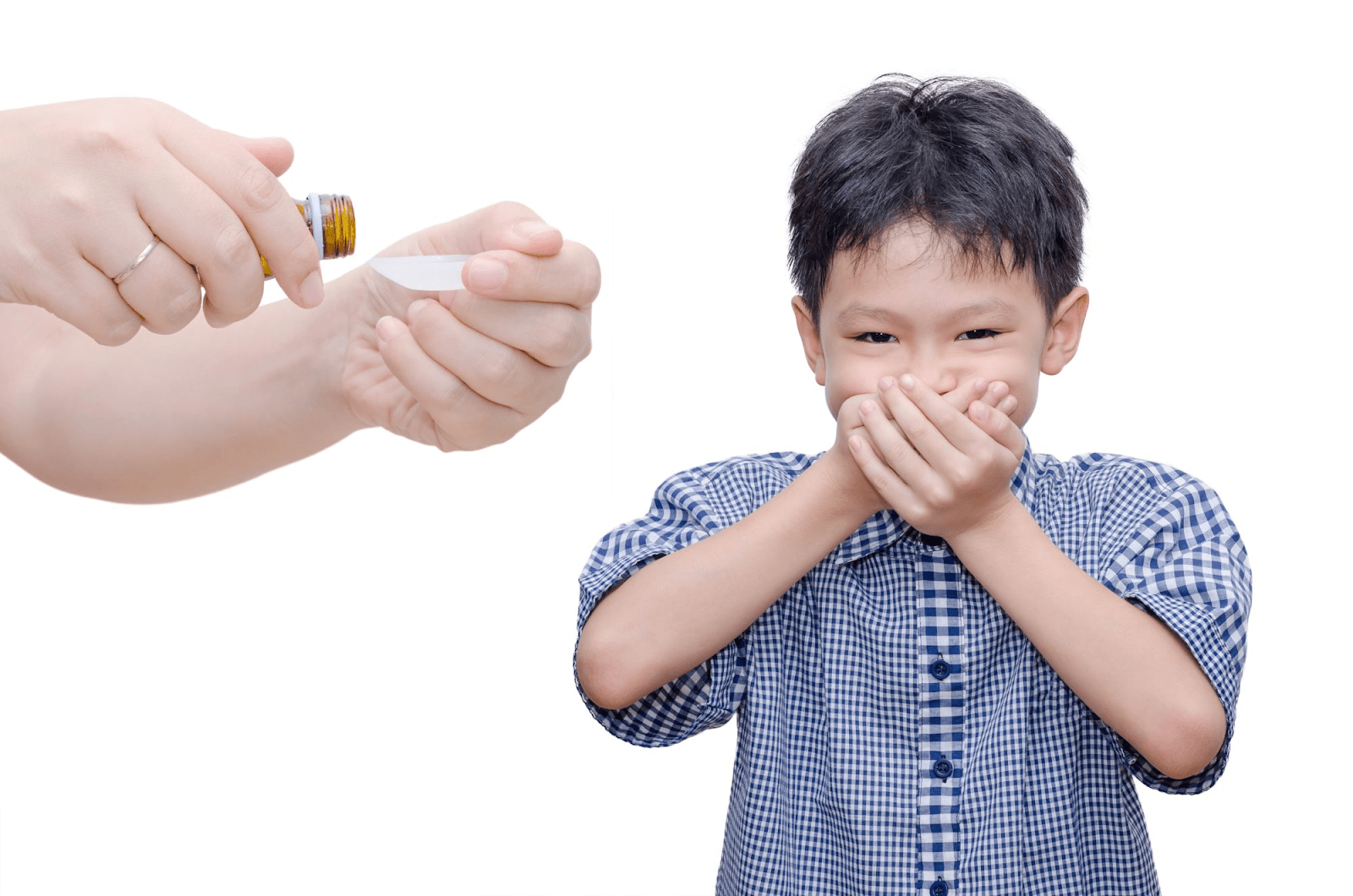 Khi trẻ không thể uống thuốc được, cha mẹ có thể dùng thuốc hạ sốt viên đạn cho trẻ