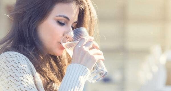 bổ sung nước liên tục