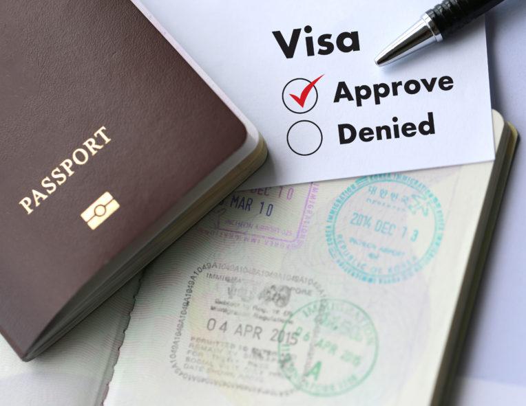 kiểm tra visa trước chuyến đi