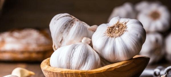 tỏi là món ăn tăng cường miễn dịch cho người bị cảm cúm