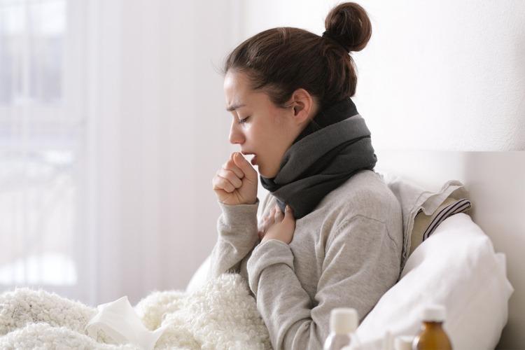Cúm có thể khiến bạn ho, kèm thở khò khè và tức ngực
