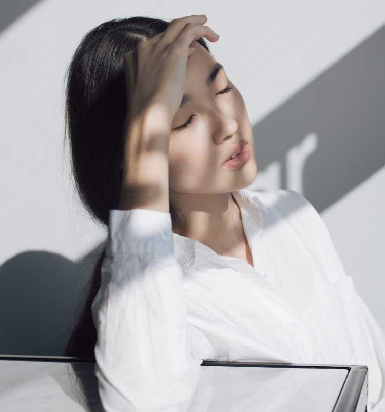 Đau đầu hoa mắt chóng mặt buồn nôn ảnh hưởng đến sức khỏe và chất lượng cuộc sống người bệnh