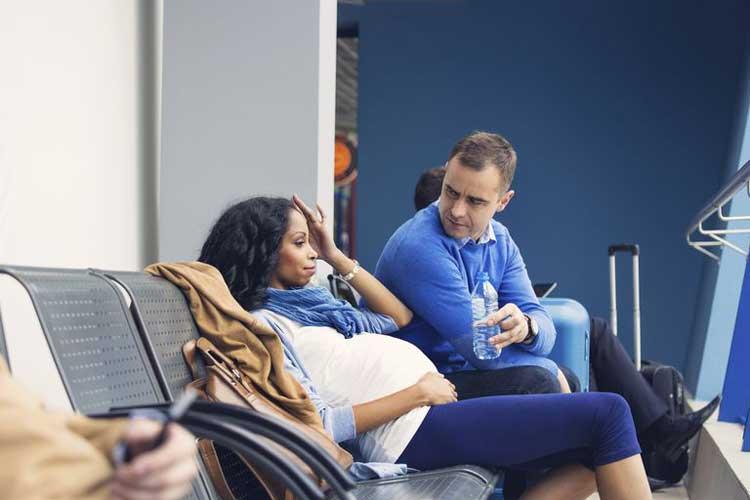 Không nên xem thường các dấu hiệu đau đầu khi mang thai