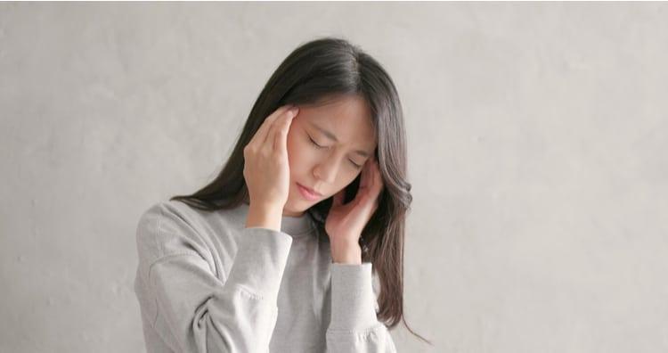 Đau đầu mãn tính tốn nhiều thời gian chữa trị