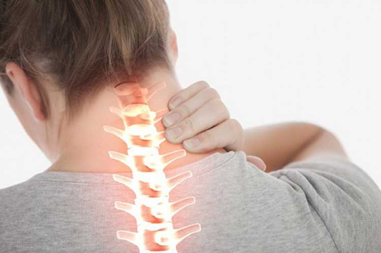 đau đầu sau gáy liên quan tới đốt sống