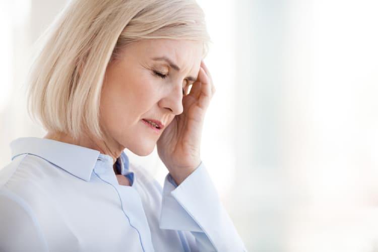 Đau nửa đầu bên phải, đau đầu phía trên tai phải cần có phương pháp điều trị hợp lý và kịp thời