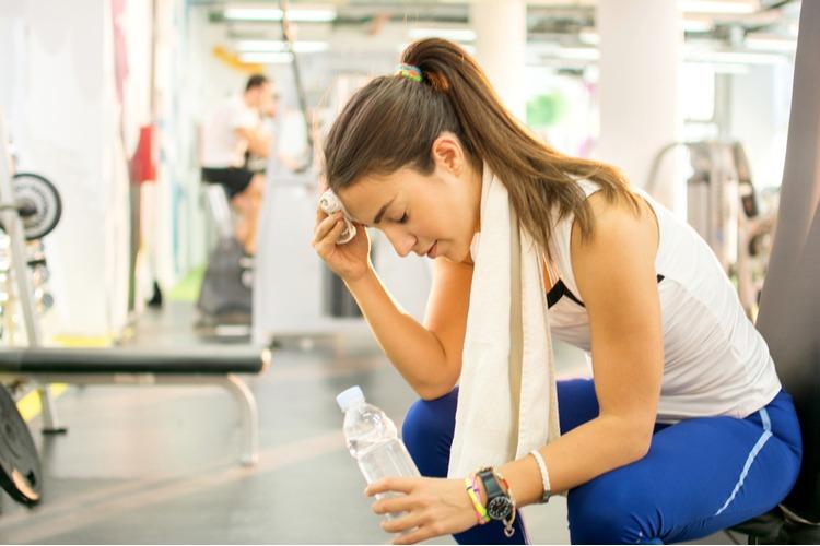 cơ thể thiếu nước gây đau cơ