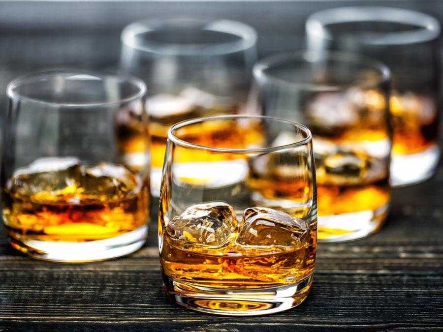 hạn chế dùng đồ uống có cồn giảm đau đầu