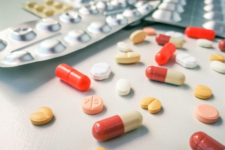 dùng thuốc giảm đau răng