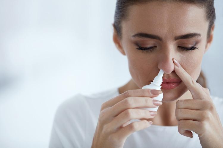 lạm dụng thuốc xịt mũi gây sổ mũi