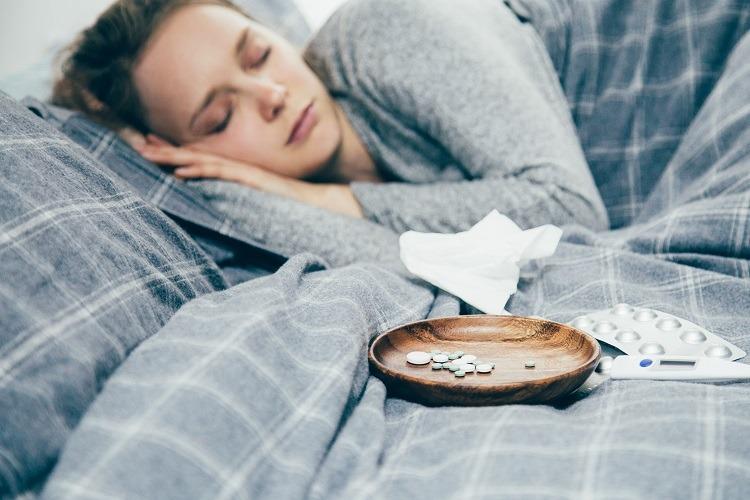 nghỉ ngơi để trị đau họng