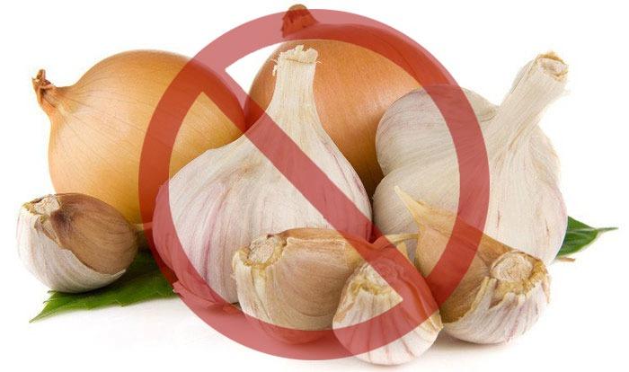 Một số thực phẩm có mùi nặng cũng gây đau đầu cho người mẫn cảm. Cách giảm đau đầu đơn giản là nên tránh các thực phẩm này ra