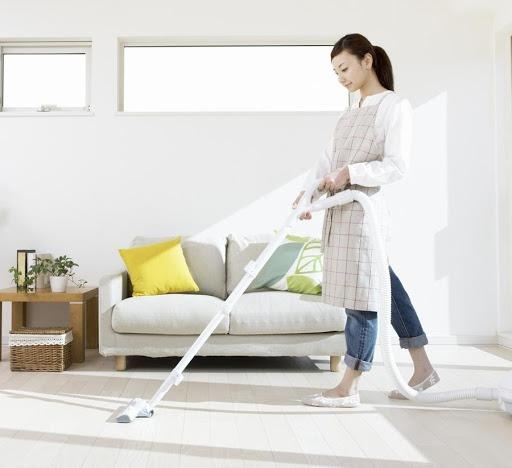 dọn dẹp nhà cửa thường xuyên để ngăn ngừa bệnh sốt xuất huyết