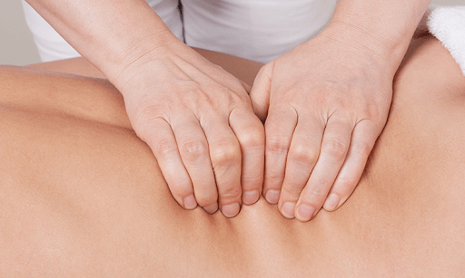 Massage giúp giảm bớt tình trạng đau cơ liên sườn