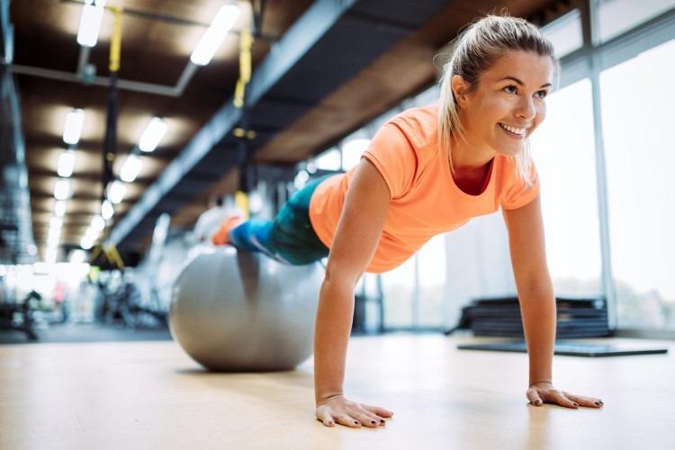 Có nên tiếp tục tập luyện khi đã bị đau cơ?