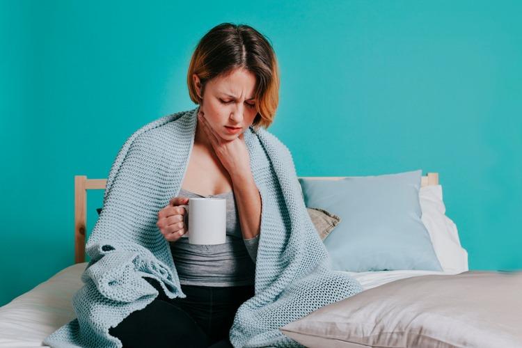 đau họng và những vấn đề liên quan