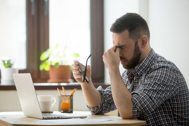 những yếu tố khác gây đau đầu khi dùng vi tính