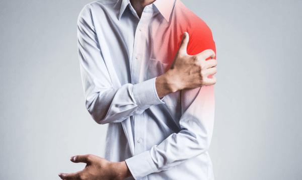 Đau nhức cơ bắp khiến người bệnh khó chịu và ảnh hưởng ít nhiều đến cuộc sống thường ngày.
