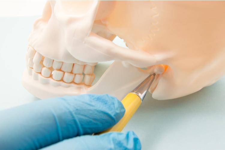 Rối loạn thái dương hàm cũng là nguyên nhân gây ra đau đầu
