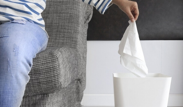 vứt khăn giấy đúng chỗ