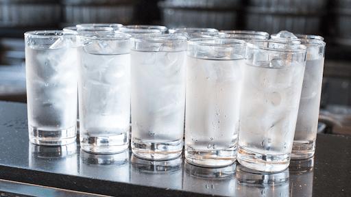 nước đá tránh uống nhiều