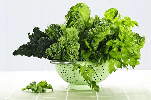 ăn nhiều rau xanh để tốt cho sức khỏe