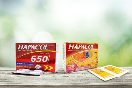 Bộ thuốc hạ sốt Hapacol 250 và Hapacol 650 với hoạt chất chính paracetamol, có thể dùng để giảm triệu chứng sốt cúm A và sốt do cảm lạnh hiệu quả