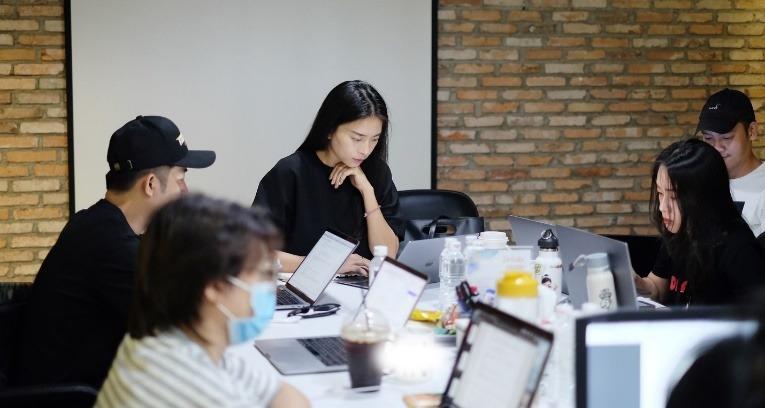 Ngô Thanh Vân bận rộn với công việc