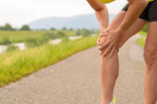 Vận động mạnh gây đau nhức xương khớp