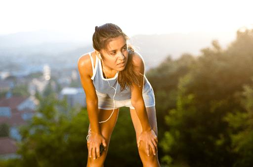 Một trong những nguyên nhân gây yếu cơ, mệt mỏi và nhức mỏi tay chân là mất cân bằng điện giải