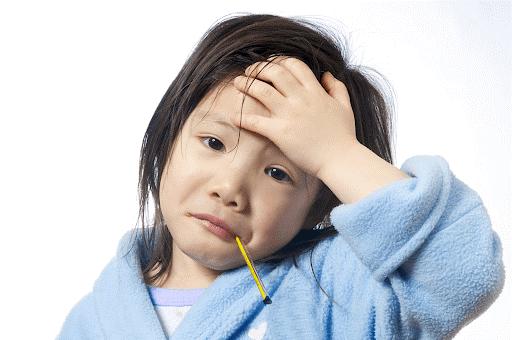 Trẻ sốt cao khi bị thủy đậu