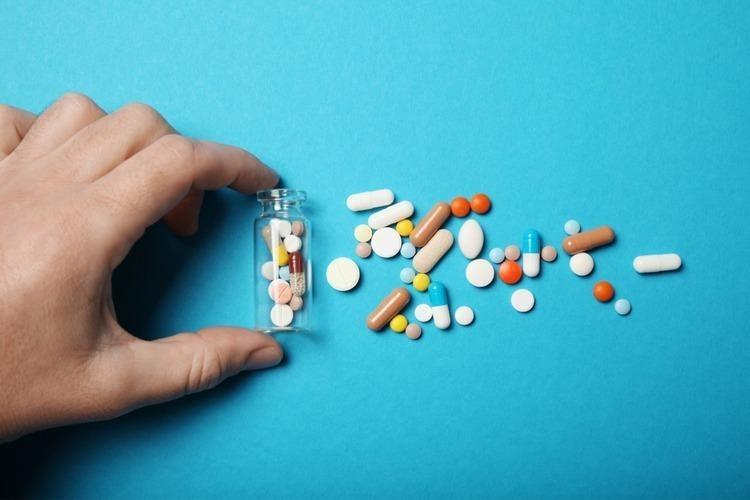 Không nên tùy tiện sử dụng thuốc hạ sốt cho trẻ