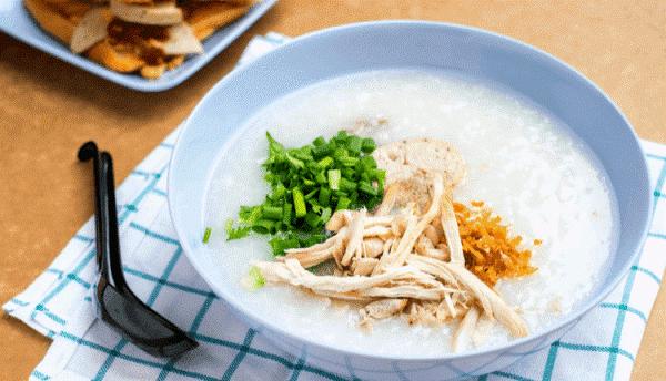 Cân bằng dinh dưỡng từ sữa mẹ giúp trẻ tránh bị sôi bụng